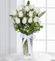 Cam Vazoda 11 Beyaz Gül